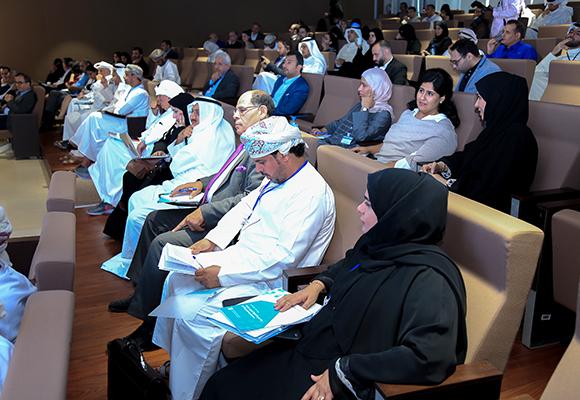 جانب من الحضور المتنوع خلال المنتدى